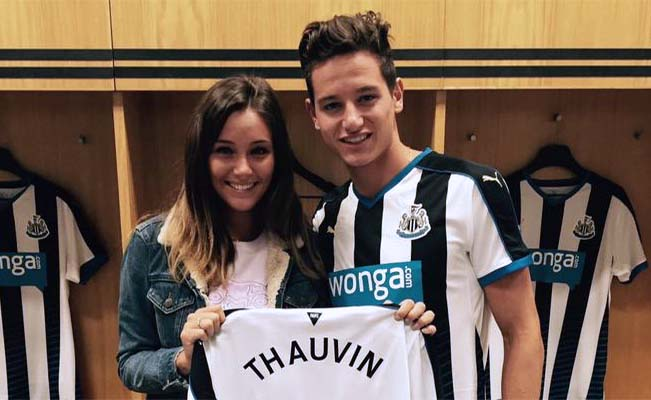 Florian Thauvin Arrival With Girlfriend