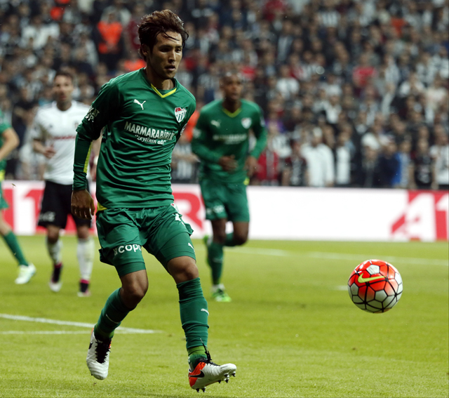 Soccer - Turkish Soccer - Super League - Besiktas v Bursaspor