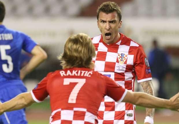 ivan-rakitic-mario-mandzukic-croatia-1-italy-1-euro-2016-qualifiers-12062015_iom0str9gquq11s5r4ud6wb8i